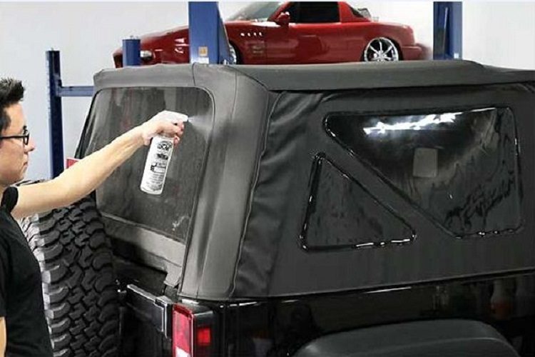Clean Jeep Soft Top Windows